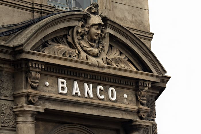 caution offshore accounts at Panama banks
