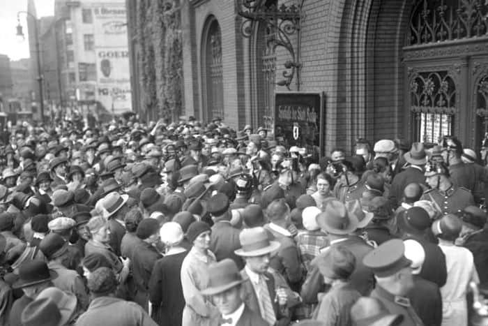 Bank run and Harvard dollar collapse predictions