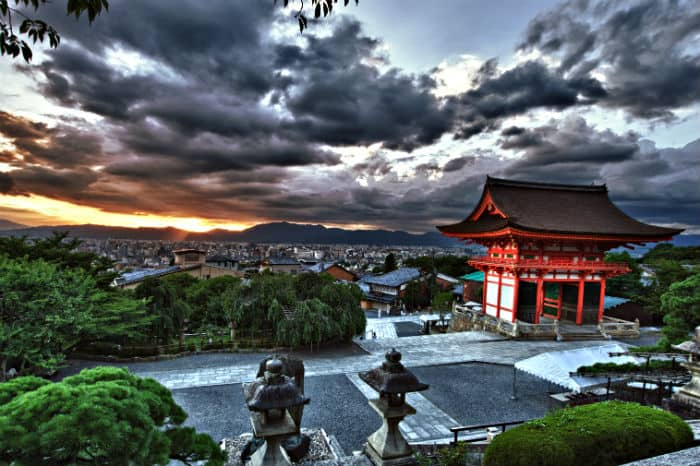 Japan's economic collapse and lessons from the land of the setting sun
