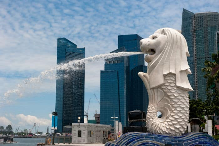 The Merlion statue is a well-known Singapore landmark.