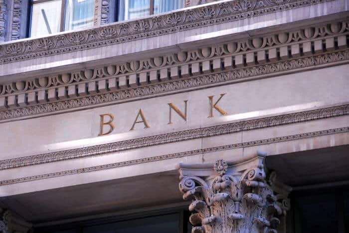 how to start your own bank-