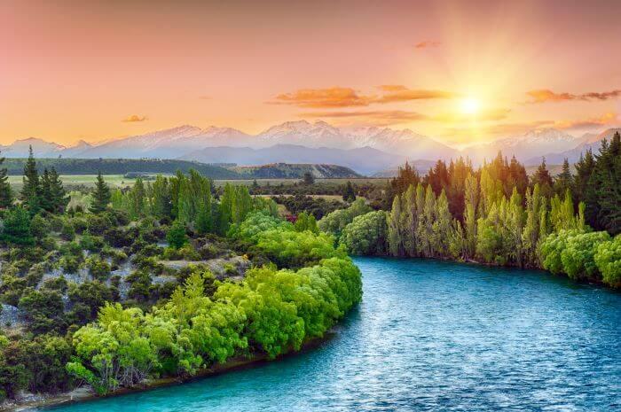 New Zealand English Speaking