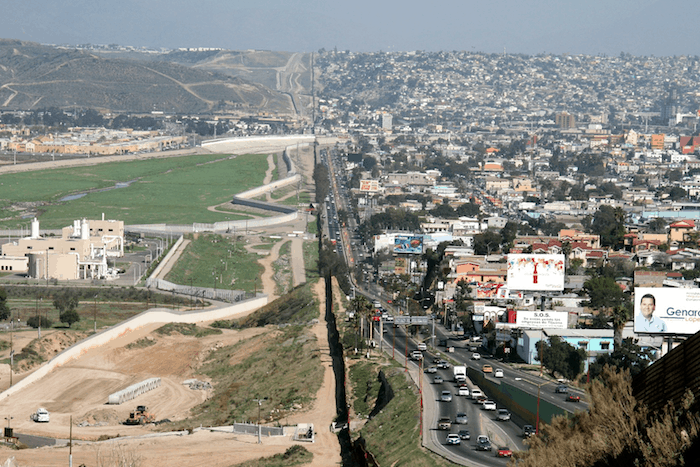 US-Mexican Border and why Americans never threaten to move to Mexico