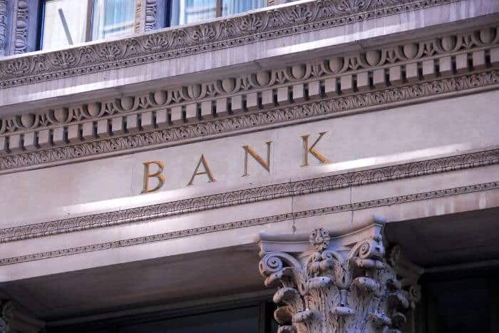 Four reasons should not bank offshore