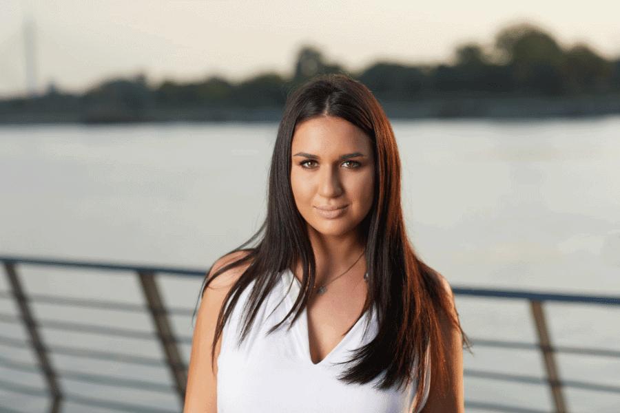 Jovana B Client Relationship Manager