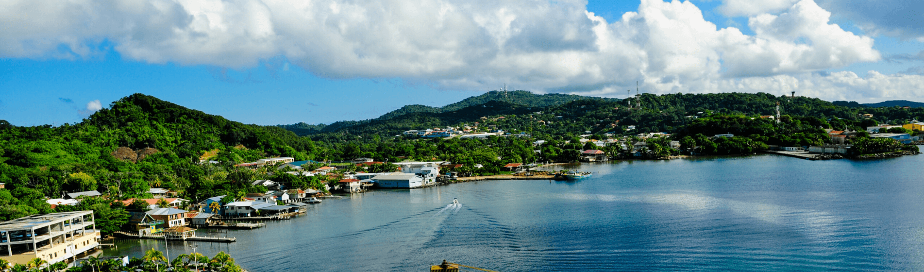 LIVING IN ROATAN A GUIDE TO THE HONDURAS BAY ISLANDS