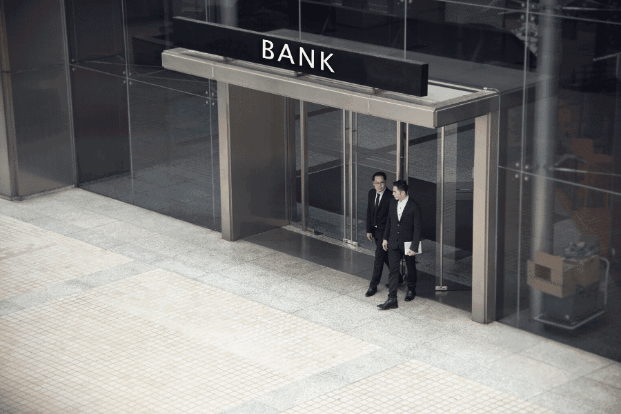 Create a Banking Portfolio - Appearance Matters