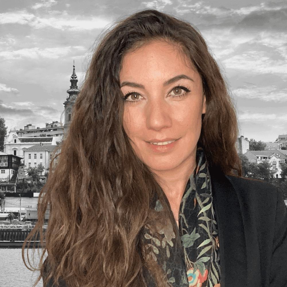 Nina Bozovic Nomad Capitalist Team